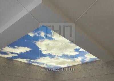 Светящийся потолок с фотопечатью облаков